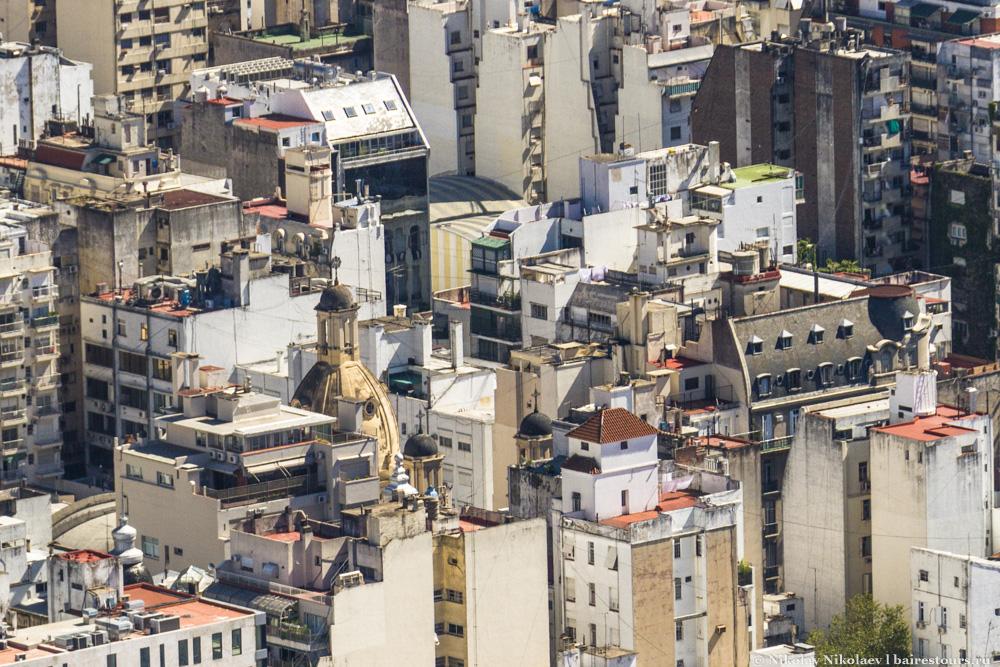41. Здания старые, но в целом картинка красивая, и почти везде можно найти свою историческую изюминку.