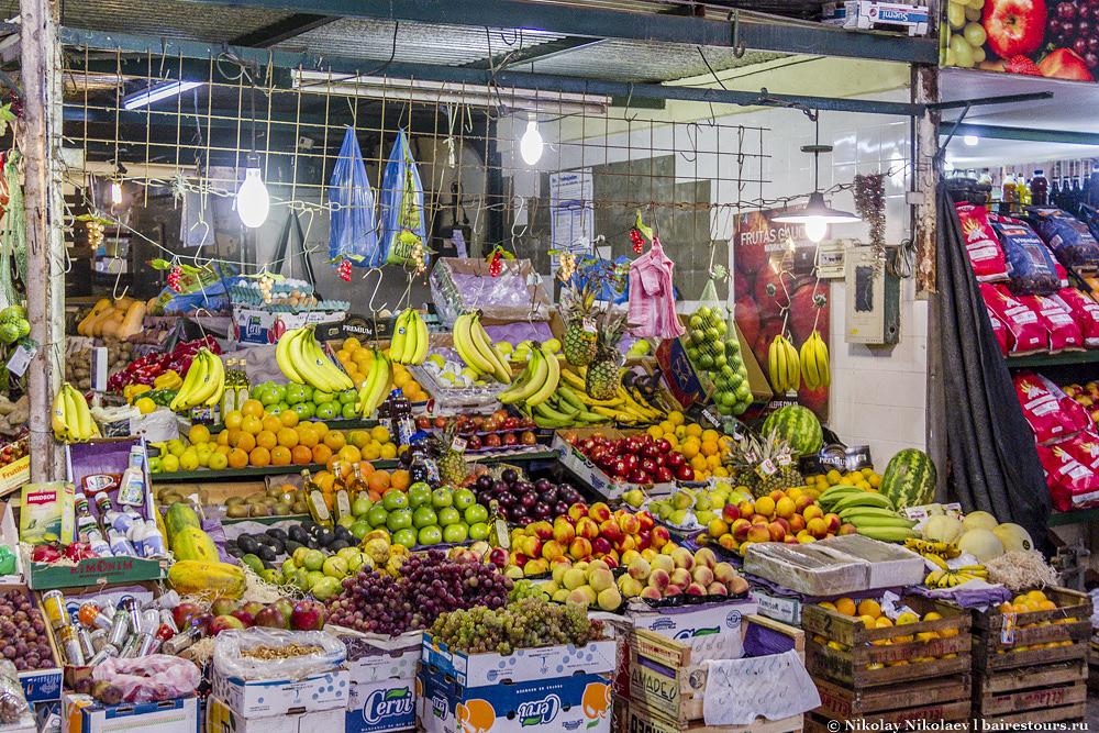 23. В Аргентине ассортимент фруктов и цены на них на удивление почти ничем не отличаются от России.