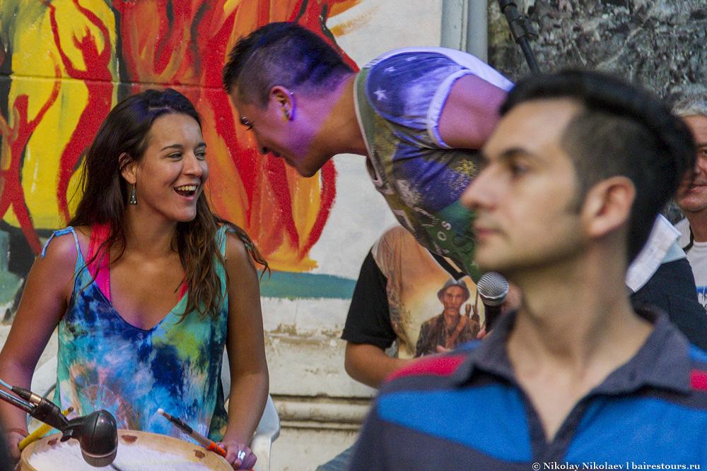 41. Причем эта музыка и танцы по большей части не некий спектакль для туристов, а просто местная традиция.