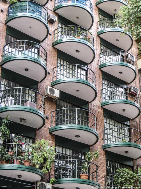 04. Модные балконы в одной из высоток района Палермо. Опять же, обратите внимание на отсутствие захламленности балконов.