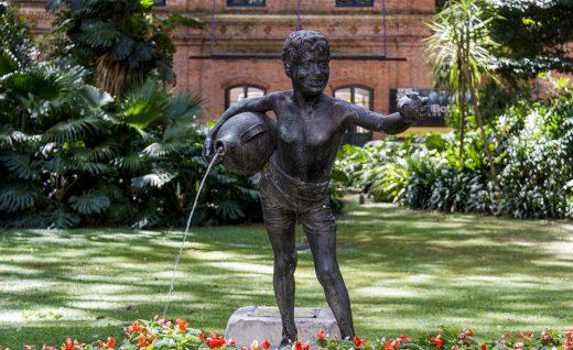 1. Ботанический сад Буэнос-Айреса расположен в самой зеленой части города на востоке района Палермо, который включает в себя также зоопарк, розарий, японский сад и несколько других парков.
