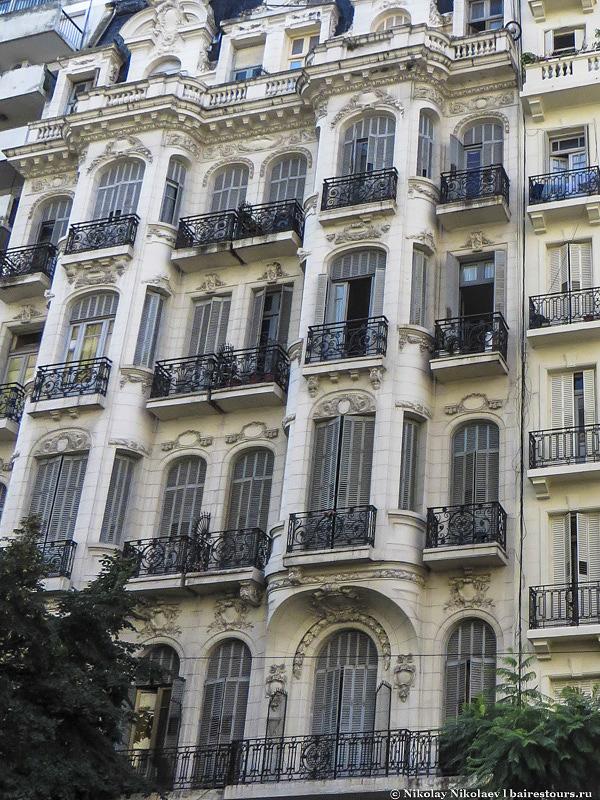 25. Еще одно красивое здание Балванеры.