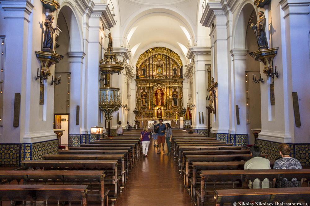 28. Если наличие церкви, причем весьма и весьма светлой и изящной, вполне логичное продолжение или дополнение кладбища…