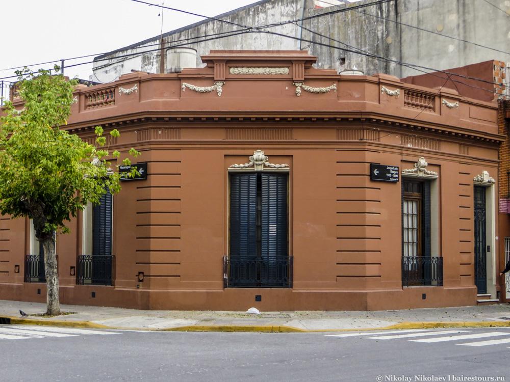 3. Район был популярен еще и в XIX веке, когда был реализован проект по обустройству парковых зон. На тот момент уникальный для Буэнос-Айреса проект.