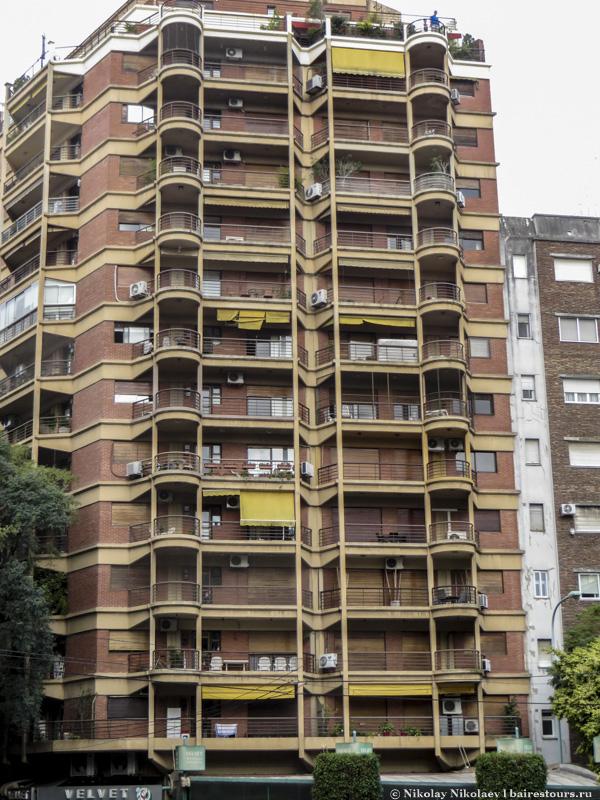 7. Хотя в некоторых районах Палермо по-прежнему сохраняется малоэтажная историческая застройка, а строить высокие дома законодательно запрещено.