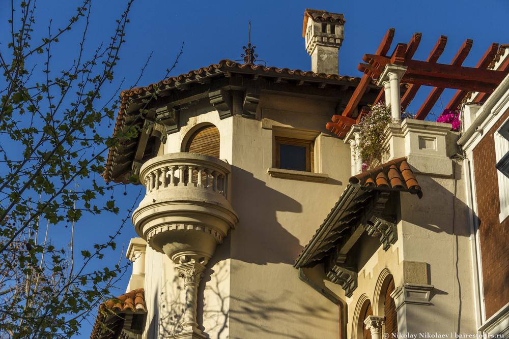 36. Среди всех субрайонов Палермо, на которые их делят местные, особняком стоит Палермо Чико (маленький Палермо), во многом благодаря своим особнякам :)