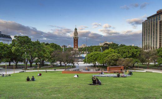 3. В Буэнос-Айресе трудно найти какое-то классическое место, по которому все бы безоговорочно узнавали бы город. Точнее таких мест довольно много, но этот вид можно назвать лидером среди классических