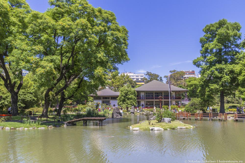3. Надо признать, что японцы постарались на славу и соорудили один из самых интересных и гармоничных японских садов не только в Южной Америке, но и в мире.