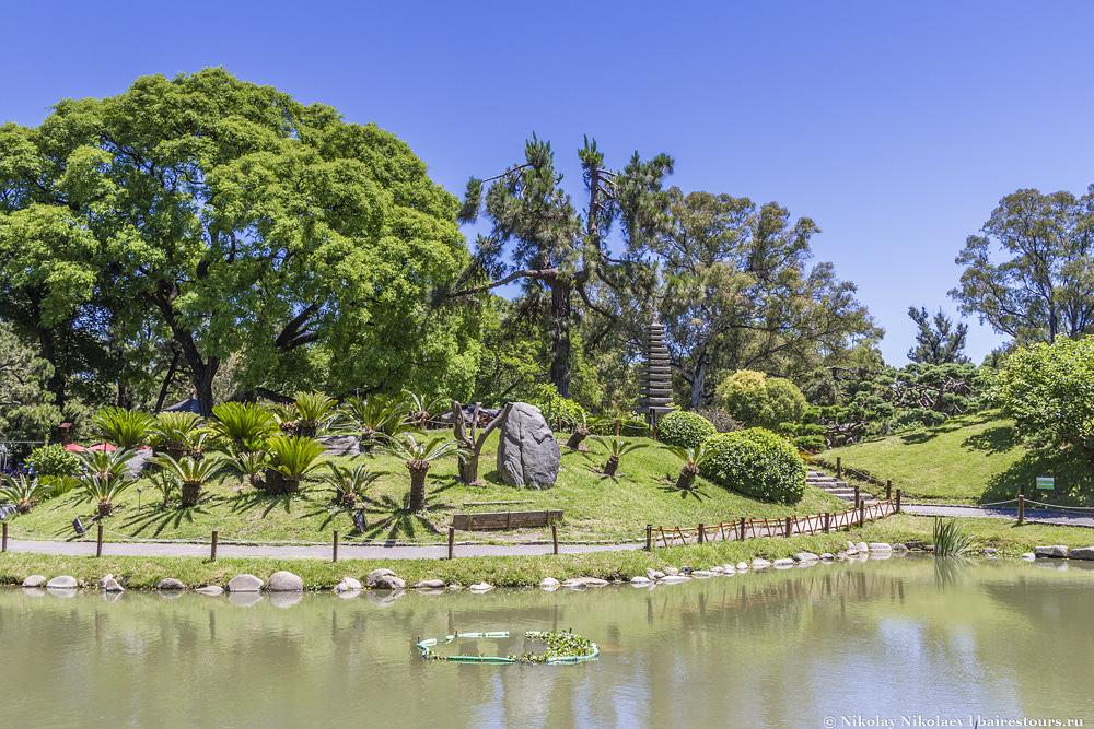 8. Наверно это самый чистый парк Буэнос-Айреса. Аргентинцам совсем не свойственна такая большая забота о чистоте.