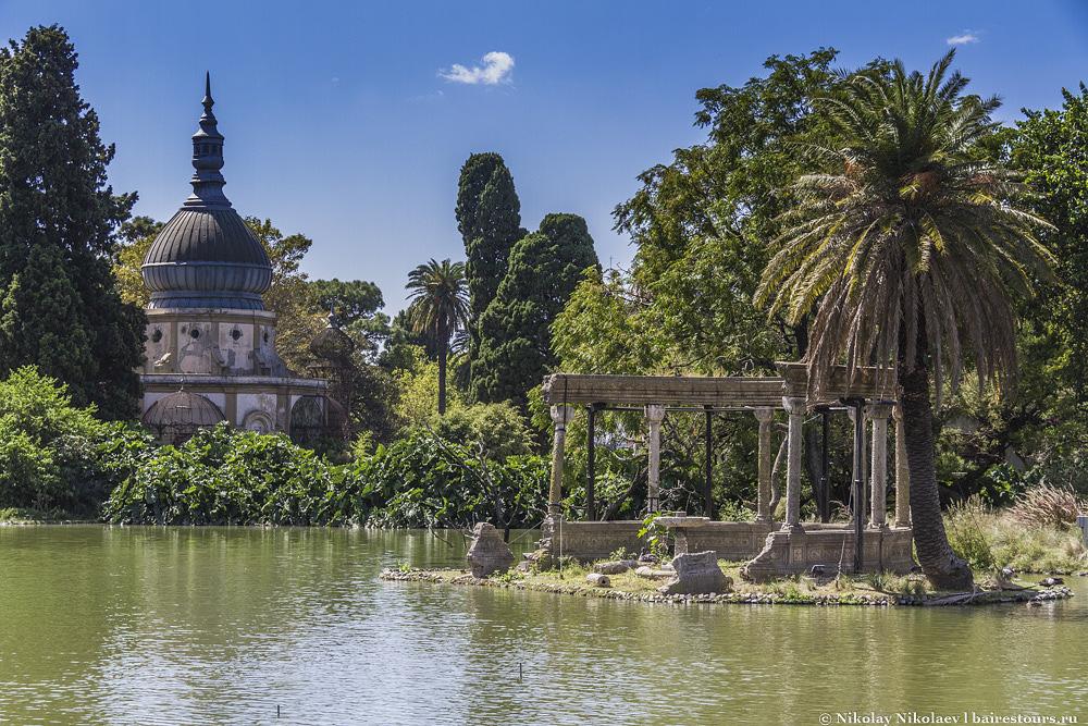 2. По сути, проект заключался в создании огромнейшей парковой зоны  на территории весьма урбанизированного города. Сегодня результаты этого проекта видны в виде ботанического сада Буэнос-Айреса, зоопарка, японского сада и прилегающих парков.