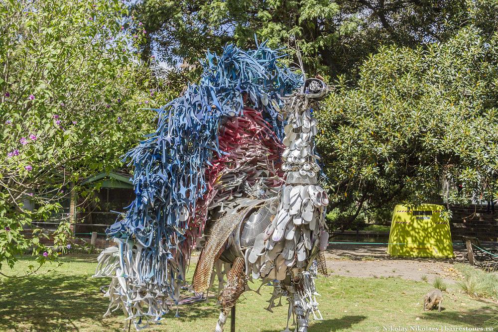 48. Есть несколько сомнительно креативных скульптур.