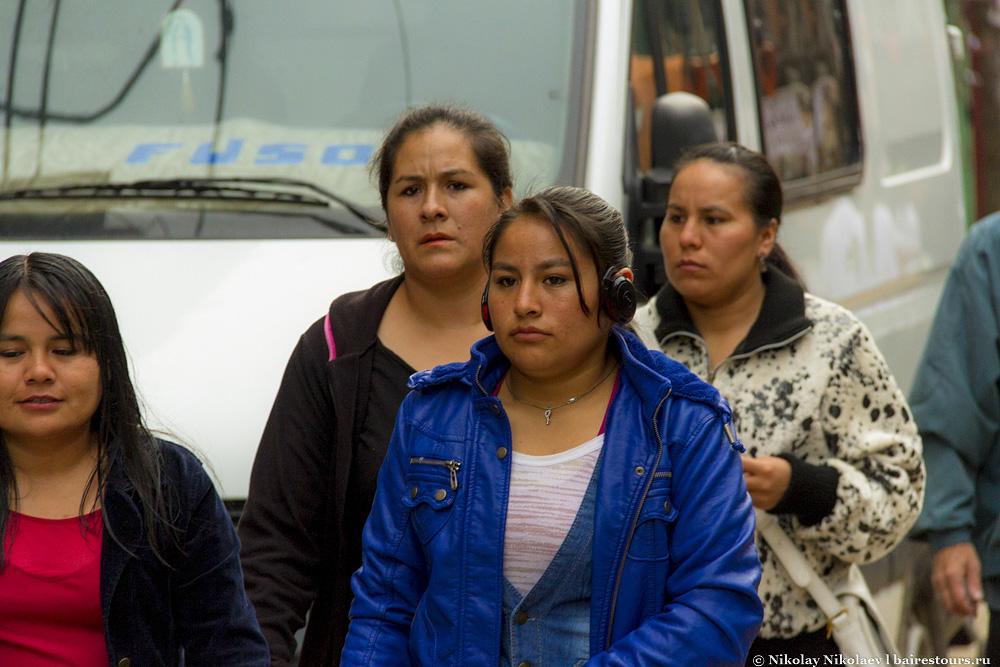 16. Народ, конечно, сильно отличается от аргентинцев, которых порой трудно отличить от европейцев. В Villa 31 в основном живут иммигранты из Парагвая, Перу и Боливии.