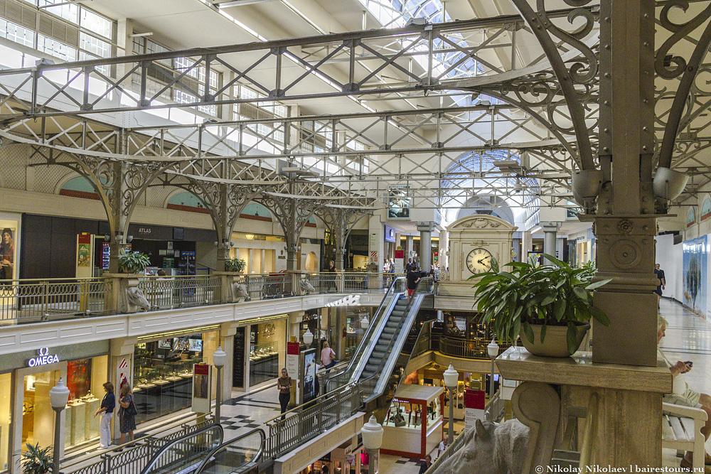 24. К разряду шикарных можно причислить торговый центр Patio Bullrich.