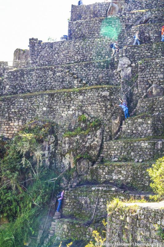 1.Беззаботные туристические прогулки на горе Уайна-Пикчу.