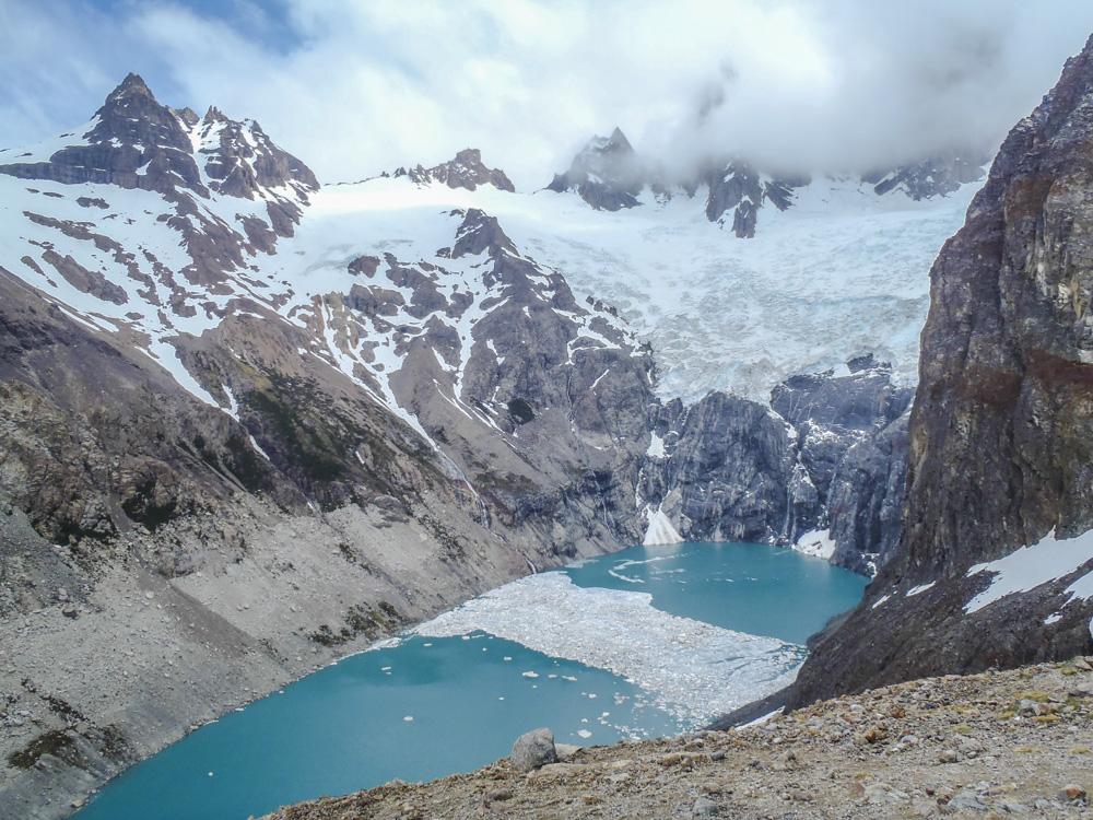 20. Еще одна шикарная лагуна Laguna Sucia расположена рядом  с Laguna de los Tres.