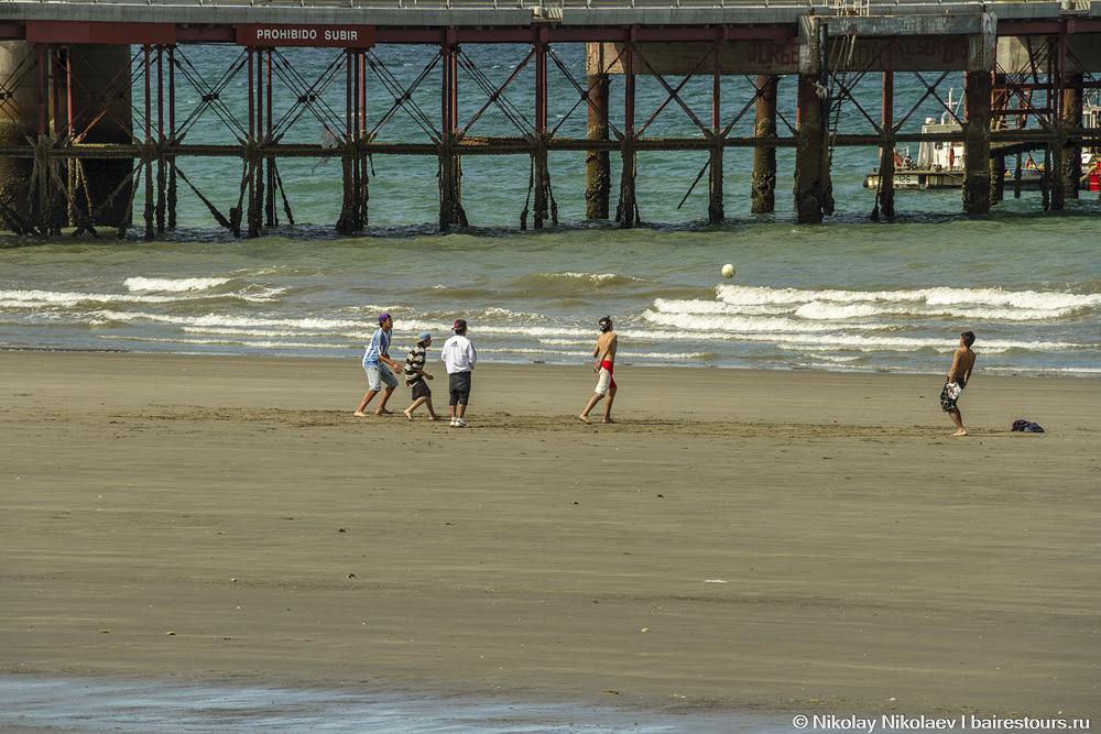 06. Впрочем, в Пуэрто Мадрине есть побережье.